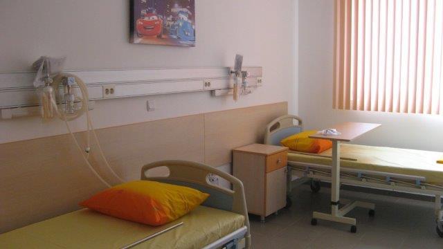 """Специализирана болница за активно лечение по детски болести """"Д-р Лисичкова"""" ЕООД, гр. Варна"""